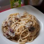 Kuchnia: Spaghetti z boczkiem i pieczarkami na mascarpone